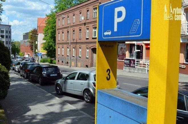 Parkingi przy drogach będą w soboty bezpłatne. Miasto zapowiada zamiany