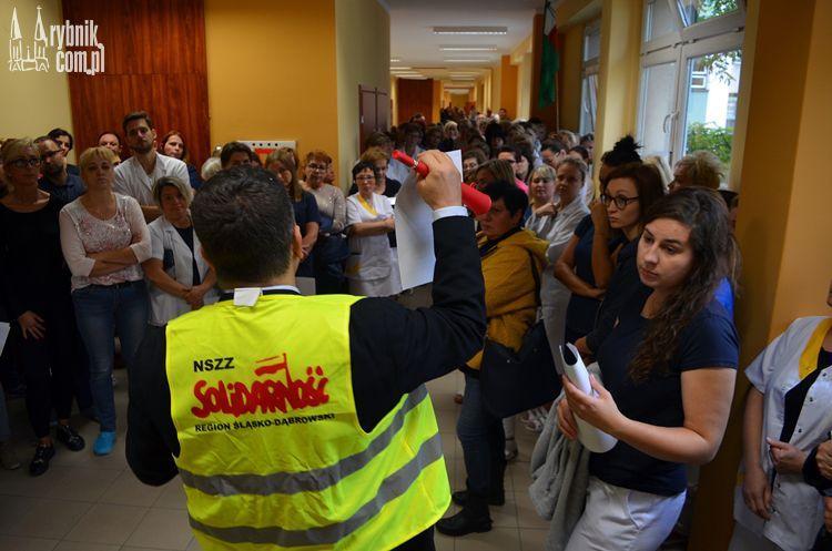 W środę manifestacja przed szpitalem. Strajk wisi na włosku!