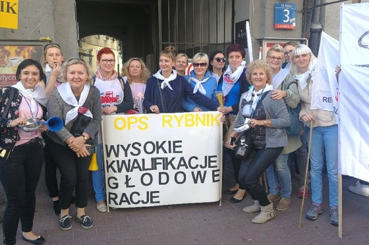 Protest Pracownikow Socjalnych W Stolicy Sa Tam Rybniczanie Materialy Nadeslane