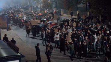"""Policja z Rybnika zaimponowała protestującym. """"Dziękujemy za ochronę"""""""
