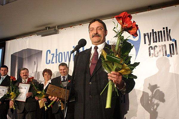 Jerzy Chachuła ze statuetką Człowieka Roku Rybnik.com.pl 2008