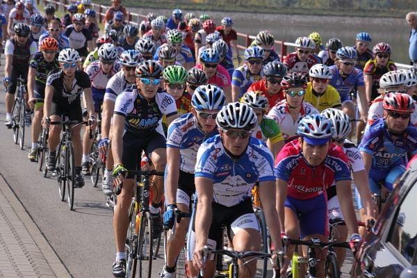 Rok temu w Tour de Rybnik rywalizowało ponad 100 kolarzy.