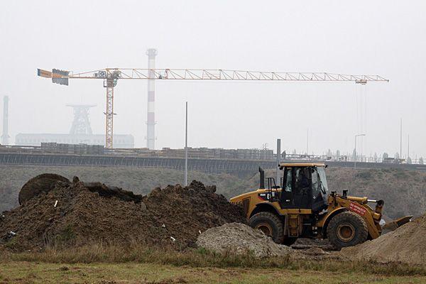 Okazuje się, że ciężki sprzęt na budowach wcale nie jest bezpieczny.