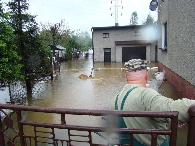 Kilkadziesiąt domów w Ligockiej Kuźni jest podtopionych