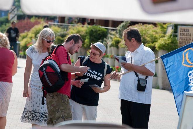 Rybniczanie wybrali ''Bronka''. Zdjęcie z czwartkowego wiecu wyborczego na rynku.