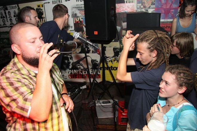 Tabu podczas koncertu w Kulturalnym Clubie