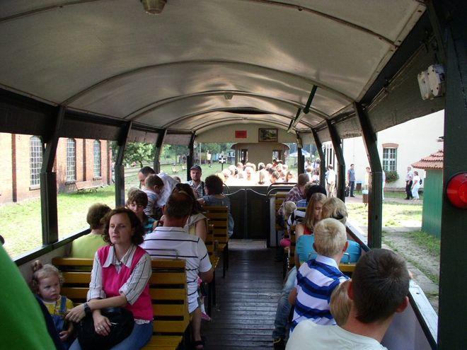 Podróże kolejką wąskotorową stają się coraz bardziej popularne