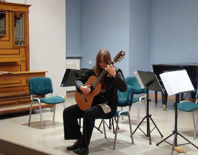 Gitarzystka, Aleksandra Sapok wystąpiła podczas muzycznego spotkania