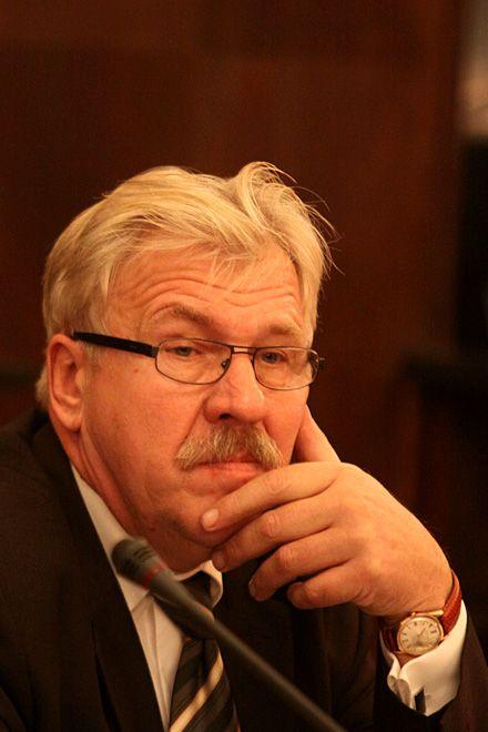 Jan Mura dziwi się oburzeni opozycji