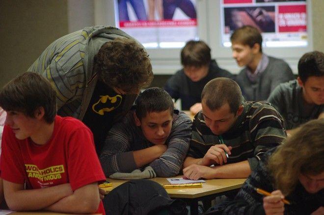 Szkolnictwo zawodowe to szansa dla młodych ludzi na trudnym rynku pracy?