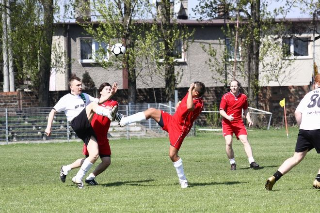 Na początku sezonu Premiership rywalizował z AP Instal. Teraz drużyny połączyły siły.