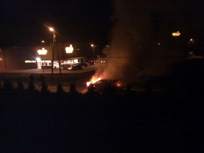 W miniony weekend straż pożarna miała pełne ręce roboty. Na zdjęciu pożar samochodu na Gotartowickiej.