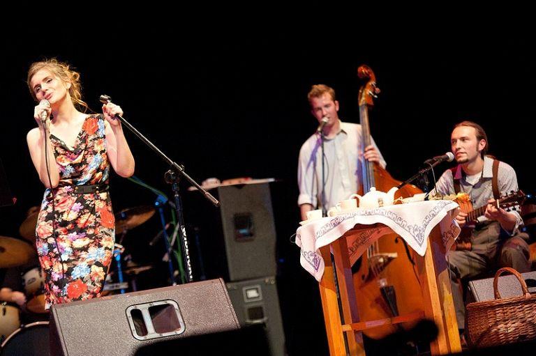 Chwila Nieuwagi podczas koncertu w Rybnickim Centrum Kultury