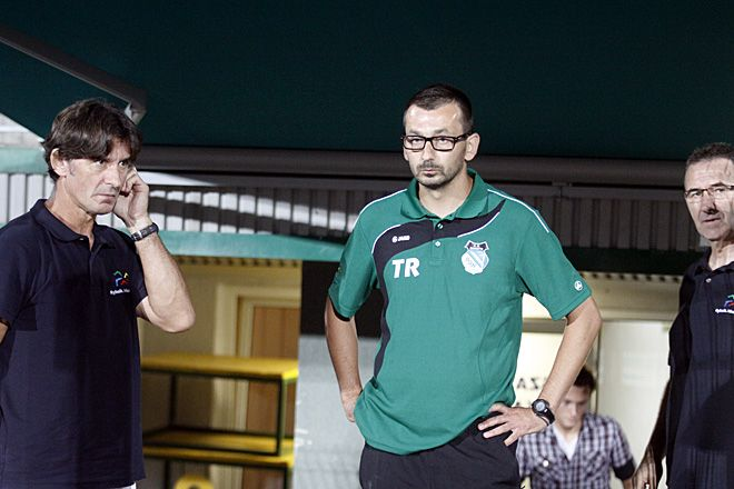 Damian Galeja (w środku) nie jest już trenerem piłkarzy ROW-u
