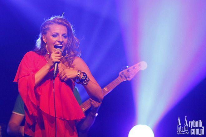 Sabina Jeszka podczas koncertu w Klubie Energetyka