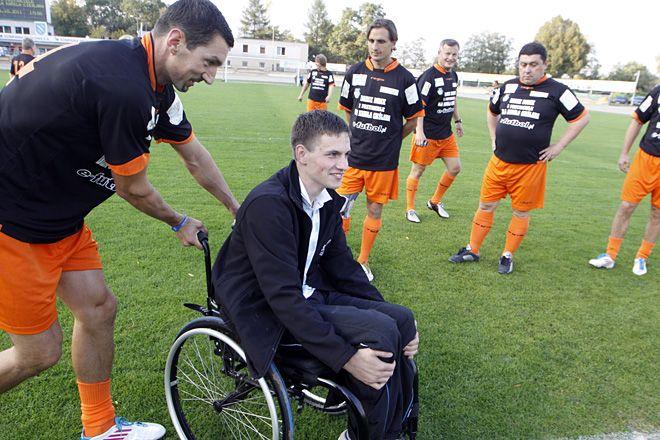 Kilka dni temu imprezę charytatywną dla Kamila Cieślara zorganizował na stadionie Dariusz Dudek