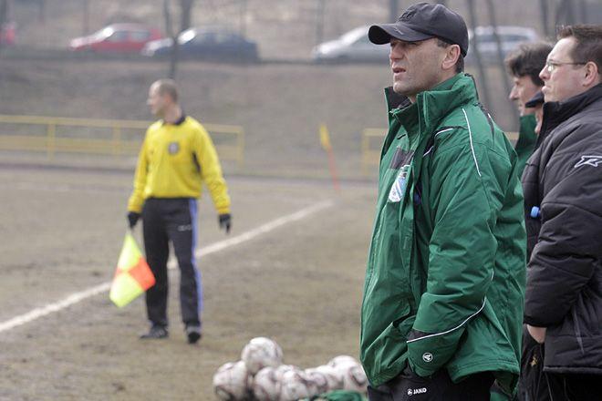Trener Ryszard Wieczorek wierzy w zwycięstwo naszych piłkarzy