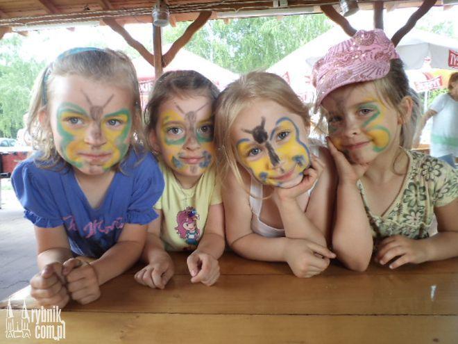 Dzieci z P15 były pomalowane przez mamy
