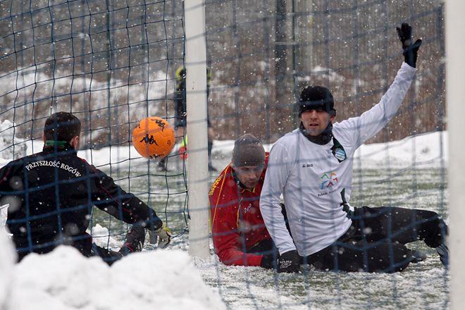 Warunki panująca na boisku nie należały do najłatwiejszych