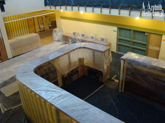 Remont obejmuje przeden wszystkim hol główny...