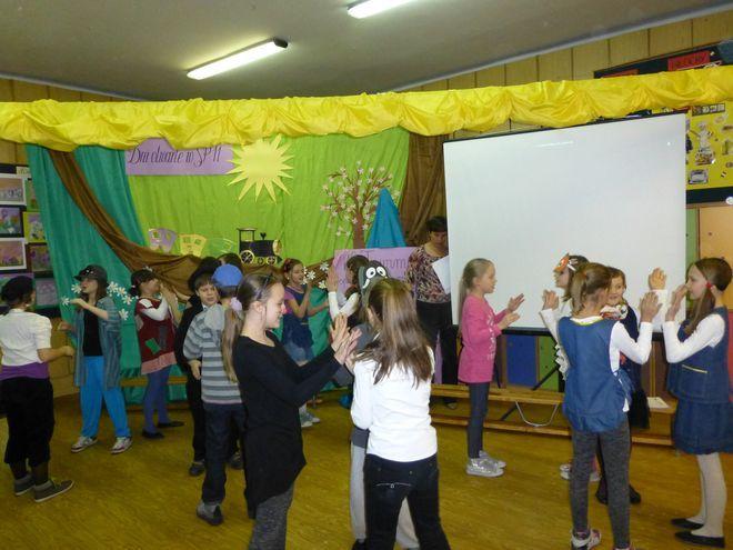 Dzieci wzięły udział w grach i zabawach...