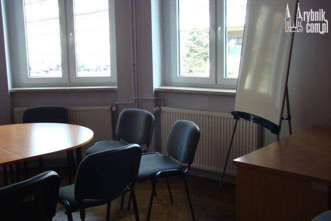 Na pierwszym piętrze kamienicy przy Kościuszki mieszczą się biura CRiS-u