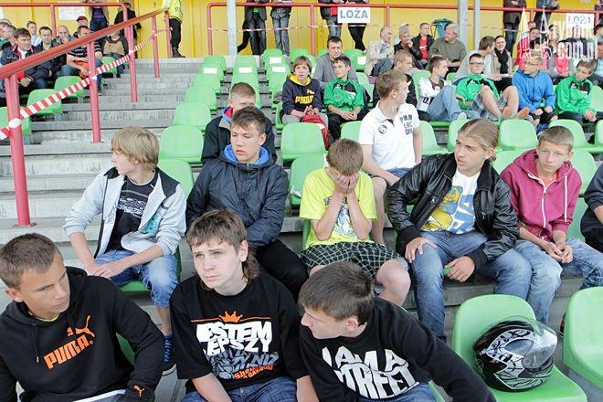 Uczniowie, którzy przyjdą na mecz z opiekunem w zorganizowanej grupie minimum 10 osób, zapłacą tylko 3 zł