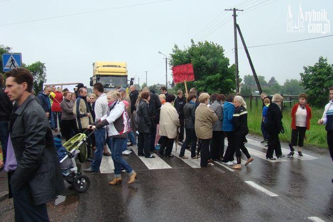 Mieszkańcy Świerklan przez 2 godziny blokowali drogę wojewódzką nr 932
