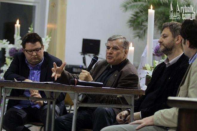 W debacie wzięli udział: o. Maciej Zięba, Krzysztof Drwal i Franciszek Kucharczak