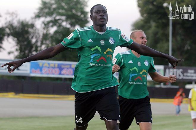 Ofiarą rasistowskiego hasła jest jeden z najlepszych piłkarzy ROW-u Rybnik, Idrissa Cisse