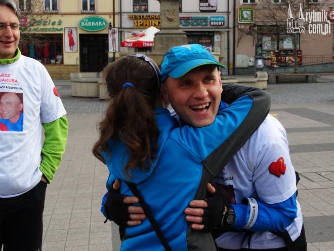 Paweł Chomiuk biegnie dla swojego syna Jakuba. Nie widział go od dłuższego czasu