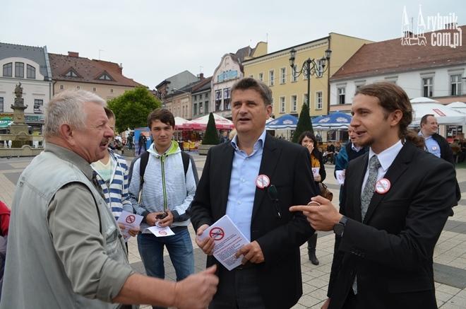 Łukasz Kohiut (pierwszy z prawej) będzie liderem listy Zjednoczonej Lewicy