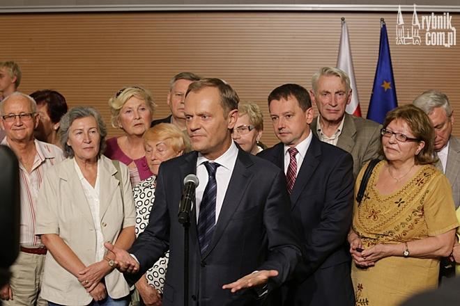W piątek w Niedobczycach Donald Tusk udzielił mocnego wsparcia Markowi Krząkale. Mimo to kandydat PO wyraźnie przegrał