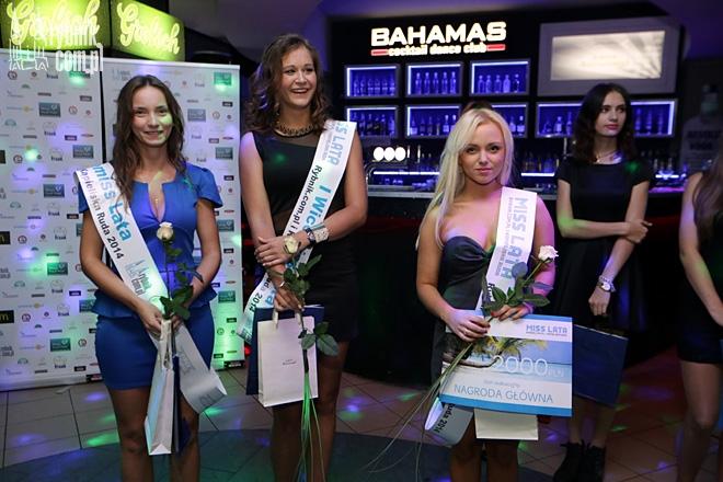 Finalistki Konkursu Miss Lata 2015 podczas gali finałowej w klubie Bahamas