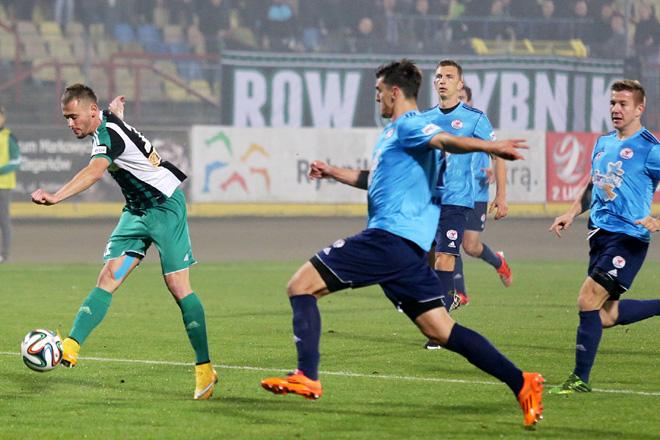W meczu z Rozwojem Szymon Sobczak (na zdjęciu) strzelił dla ROW-u drugiego gola.