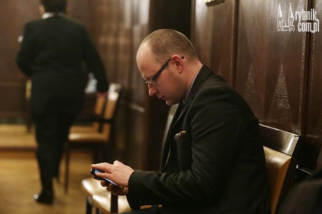 Piotr Masłowski postanowił dokładniej przyjrzeć się ofertom składanym przez rybnickie stowarzyszenia