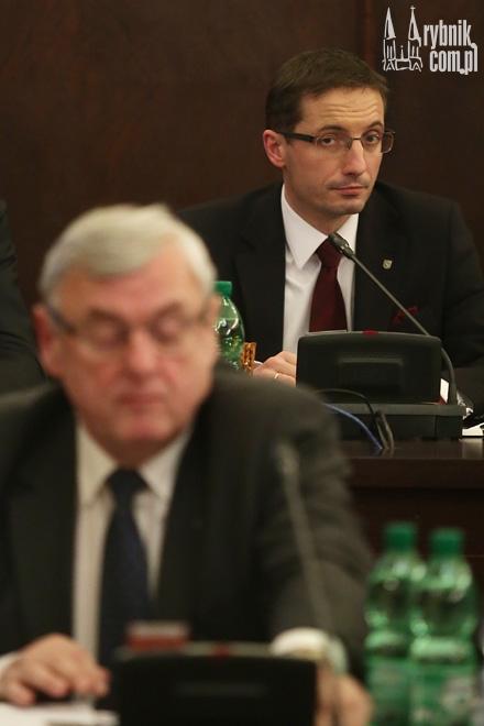 Harmonijna współpraca między Adamem Fudalim a Piotrem Kuczerą na forum rady miasta trwała nieco ponad miesiąc