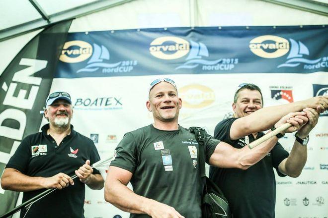 Marcin Rej (w środku) i jego koledzy z rybnickiego Sailing Teamu