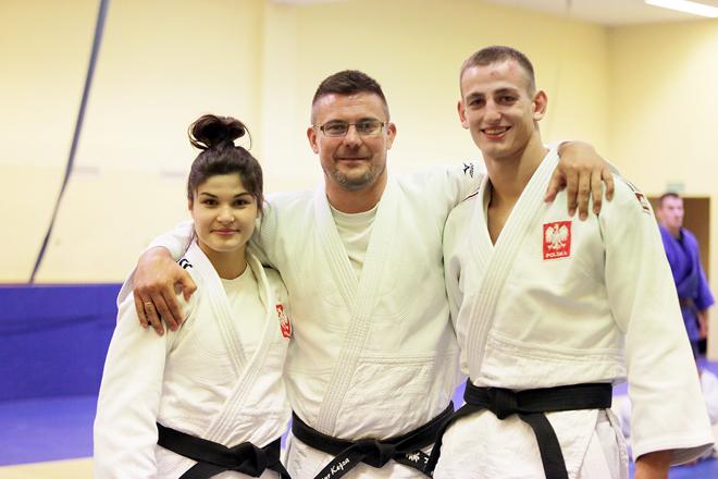 Julia Kowalczyk, trener Artur Kejza i Piotr Kuczera