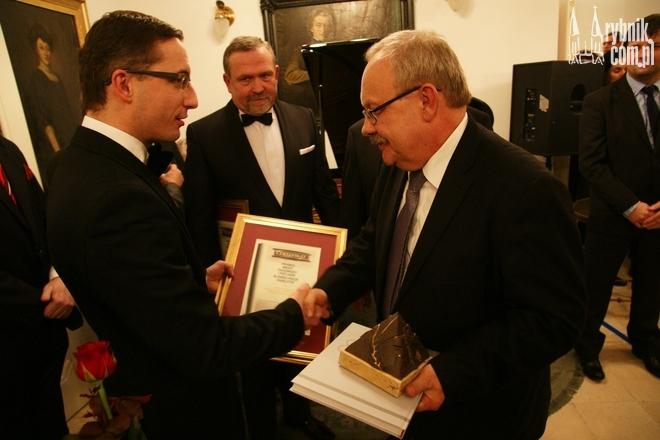 Wśród wyróżnionych Piramidami Wiedzy Fachowości i Przyjaźni ''ŚLONSKO HOŁDA-CHARLOTTE'' był Henryk Grzonka