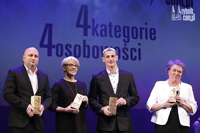 Laureatami tegorocznego Konkursu Człowiek Roku Rybnik.com.pl zostali: Wojciech Ostrzołek, Aleksandra Klich, Piotr Kuczera i Małgorzata Szczotok
