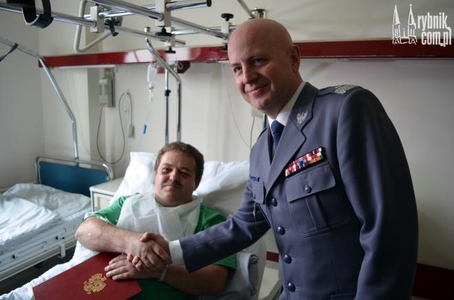 Do rannego policjanta przyjechał szef śląskiej policji - nadinsp. Jarosław Szymczyk
