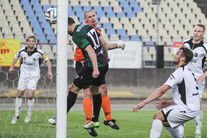 Marek Gładkowski strzela pierwszego gola dla ROW-u
