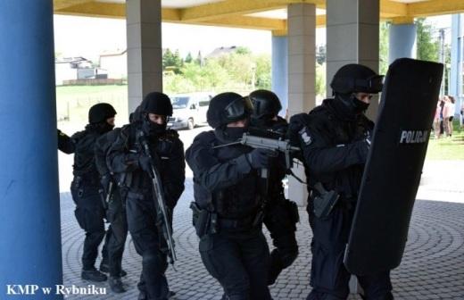 �wiczenia policji: strzelanina w szkole pod Rybnikiem