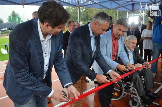 Wstęgę przecięli znani polscy sportowcy oraz prezydent Rybnika - Adam Fudali