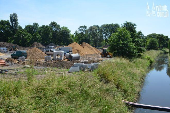 Czy wykonawca zdąży do końca sierpnia z budową parku?