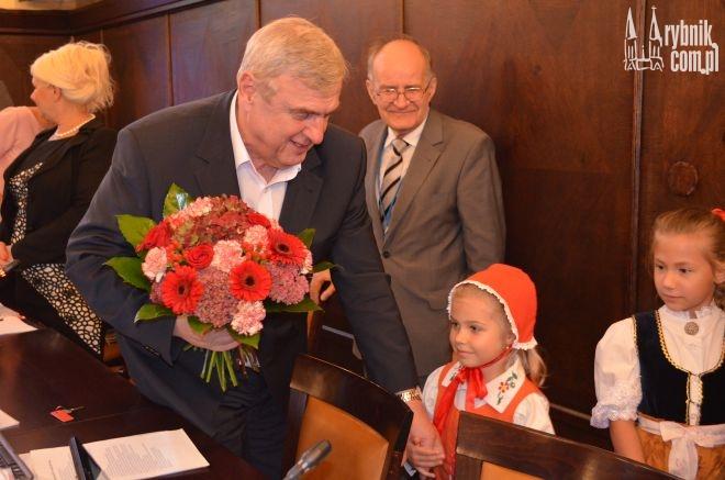 Prezydent Fudali otrzymał od dzieci kwiaty