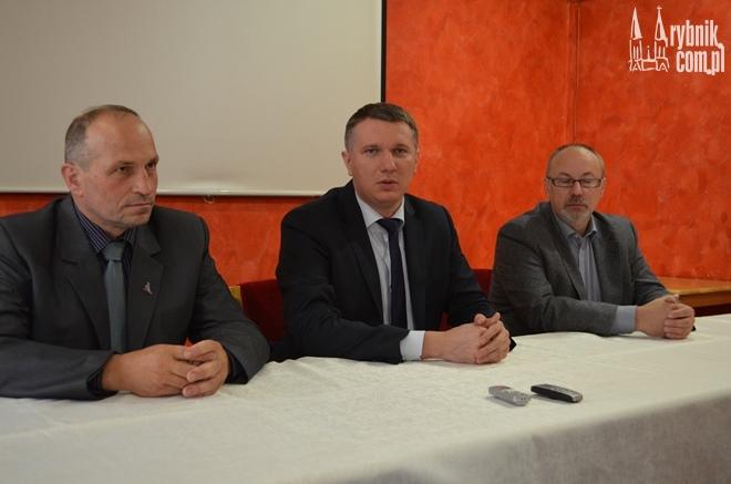 Na zdjęciu: Adam Pustelnik, Przemysław Wipler i Maciej Urbańczyk