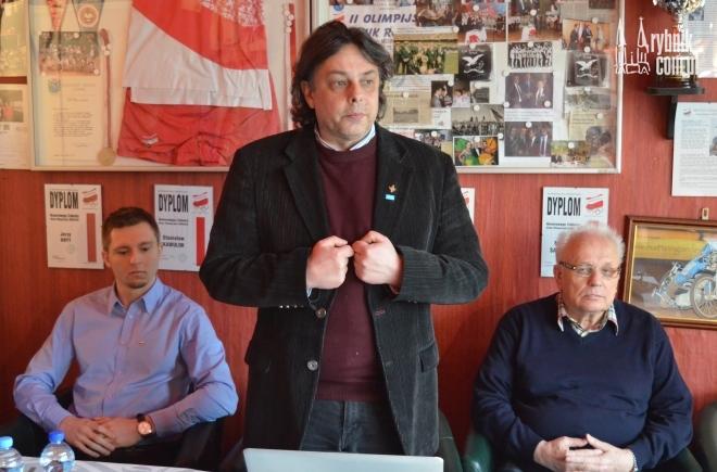 Aleksander Larysz nie pozostawia suchej nitki na byłych członkach stowarzyszenia