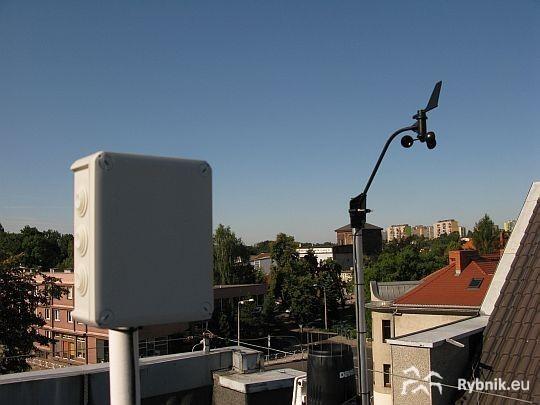Detektor został zamontowany na dachu magistratu